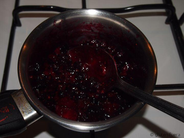 Frutos rojos para el pastel de queso para celiacos